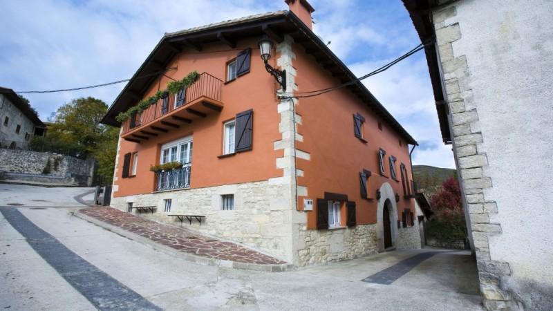 01-Mendiburu-Casa-Rural-Osinaga-Navarra