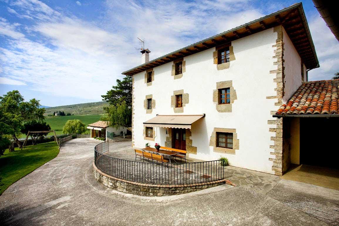 Casa rural loretxea ii iru aldea - Casas del monte casa rural ...