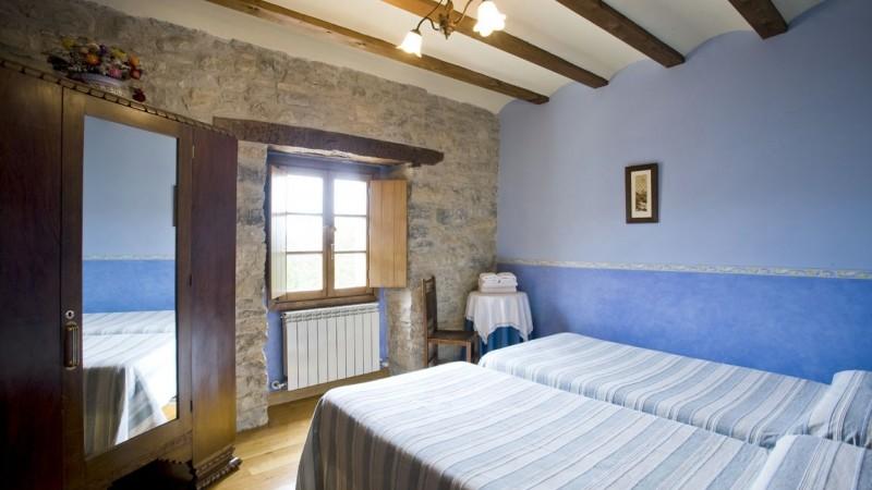 dormitorio-casa-rural-loretxea-navarra-006