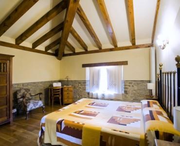 dormitorio-casa-rural-loretxea-navarra-024