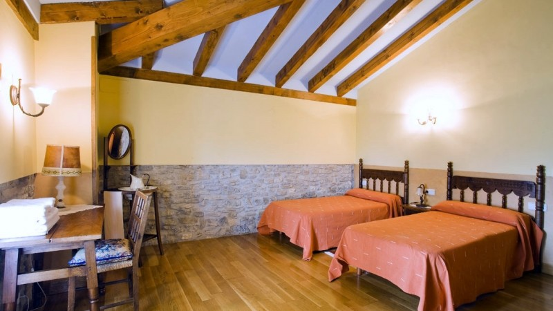 dormitorio-casa-rural-loretxea-navarra-025