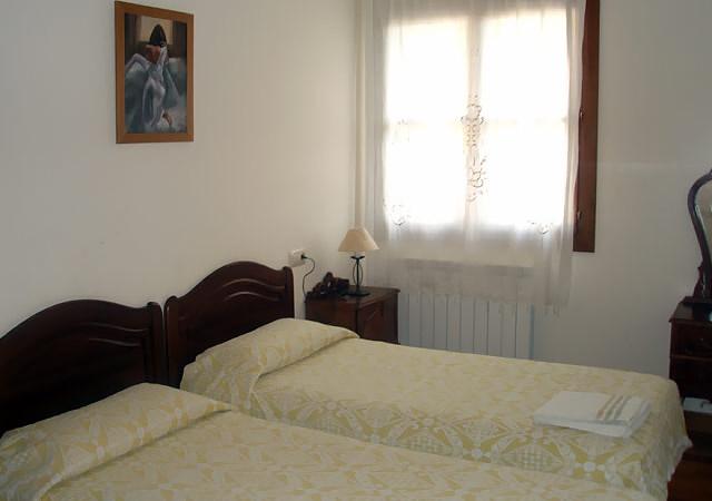 morena_II-Casa-Rural-Navarra-habitaciones-3