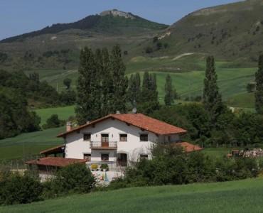 Sarobetxea-Casa-Rural-Larrayoz-02