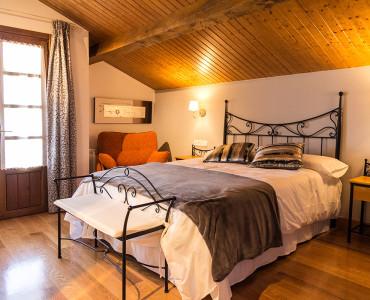 casa-rural-cortea-oteiza-berrioplano-navarra-dormitorio-01