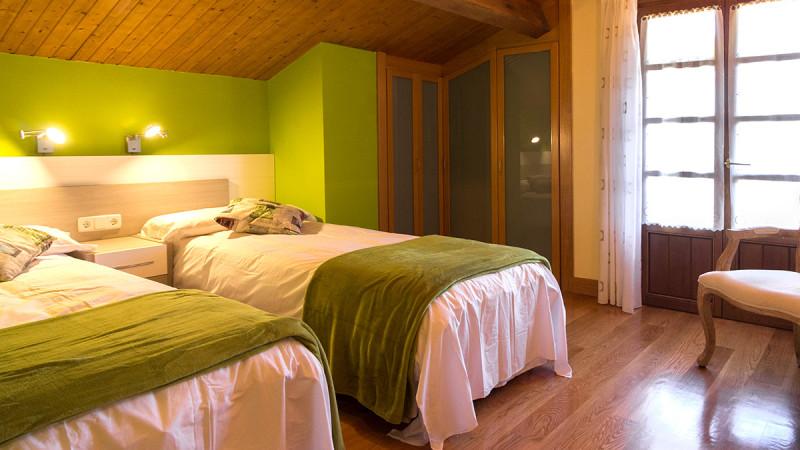 casa-rural-cortea-oteiza-berrioplano-navarra-dormitorio-02