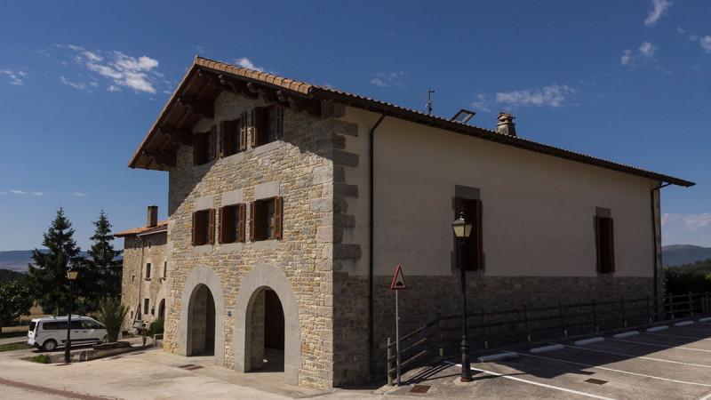 casa-rural-cortea-oteiza-berrioplano-navarra-exterior-01
