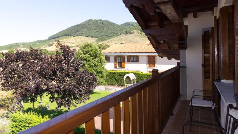 casa-rural-cortea-oteiza-berrioplano-navarra-terraza